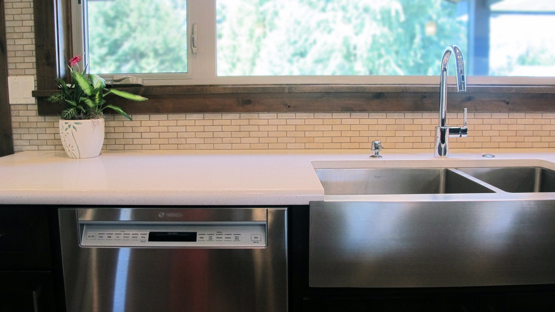 Lightweight Countertop Dishwasher : Light white quartz countertop stainless steel appliances apron sink ...