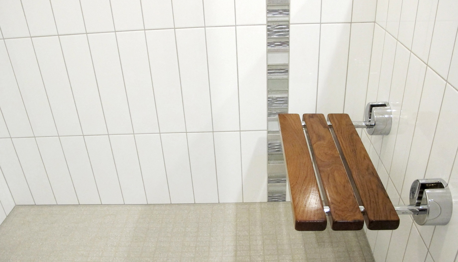 Vertical Subway Tile crystile clear