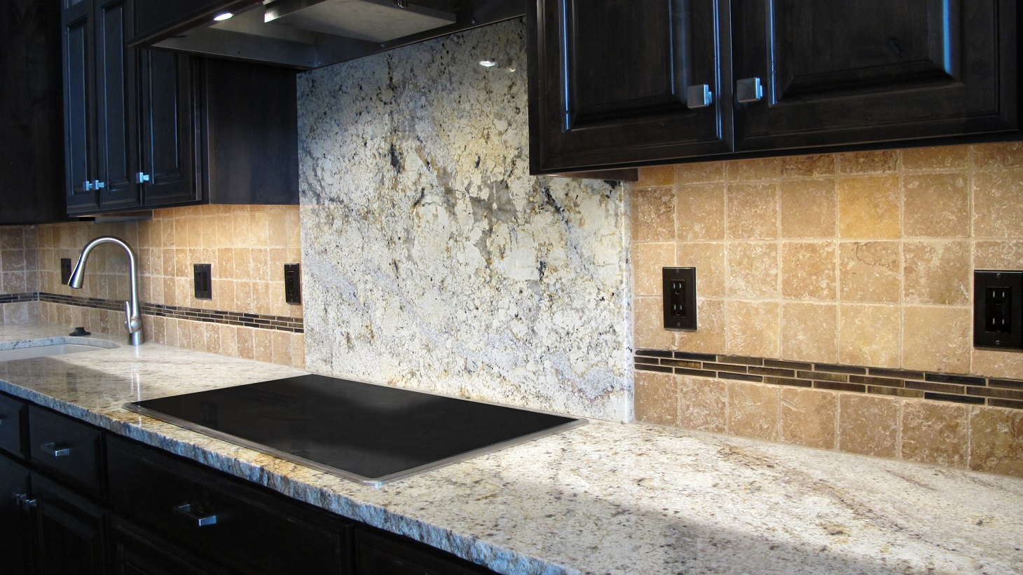 Kitchen backsplash rustic granite countertops tumbled travertine noce fashion accents daltile shimmer 5/8x3 umber decorative band stainless steel appliances electric cooktop full height
